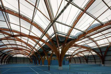 Tennis courts covers in stretched canvas metal and for Architecte structure